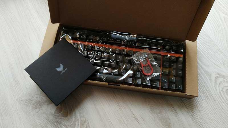 rapoo-v500-tastiera