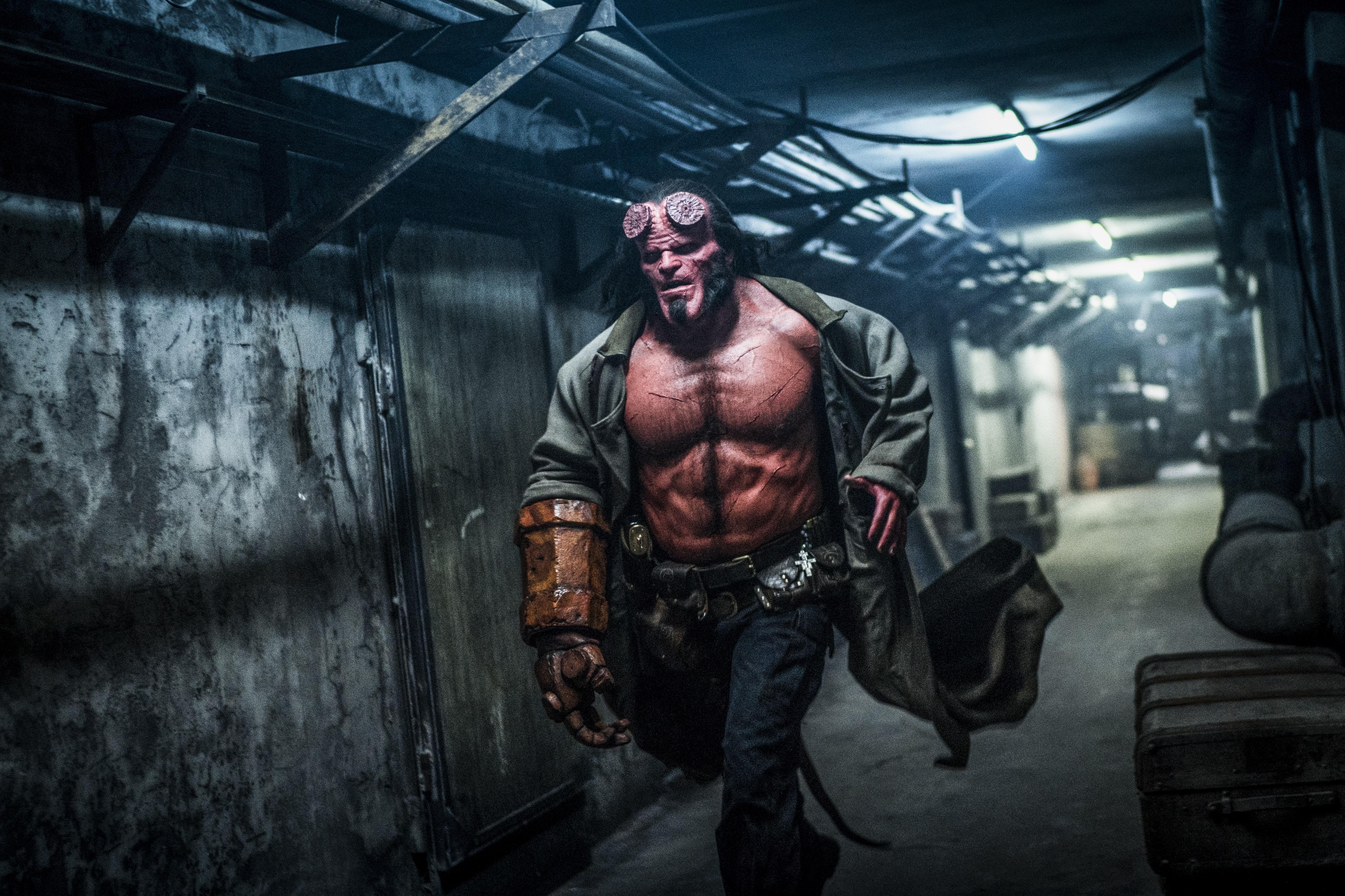 Hellboy: data di uscita, foto promozionali e nuovo poster